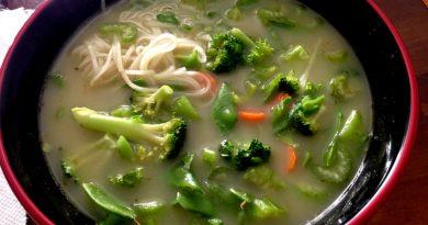 Soupe au cari rouge et lait de coco selon Rox