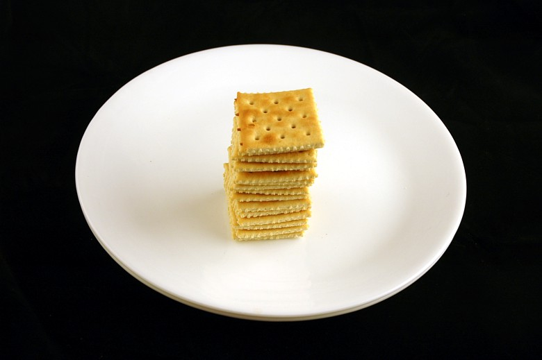 calories-in-salted-saltines-crackers