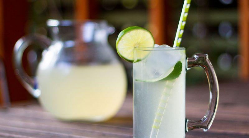 Thé vert glacé à la lime et au stévia
