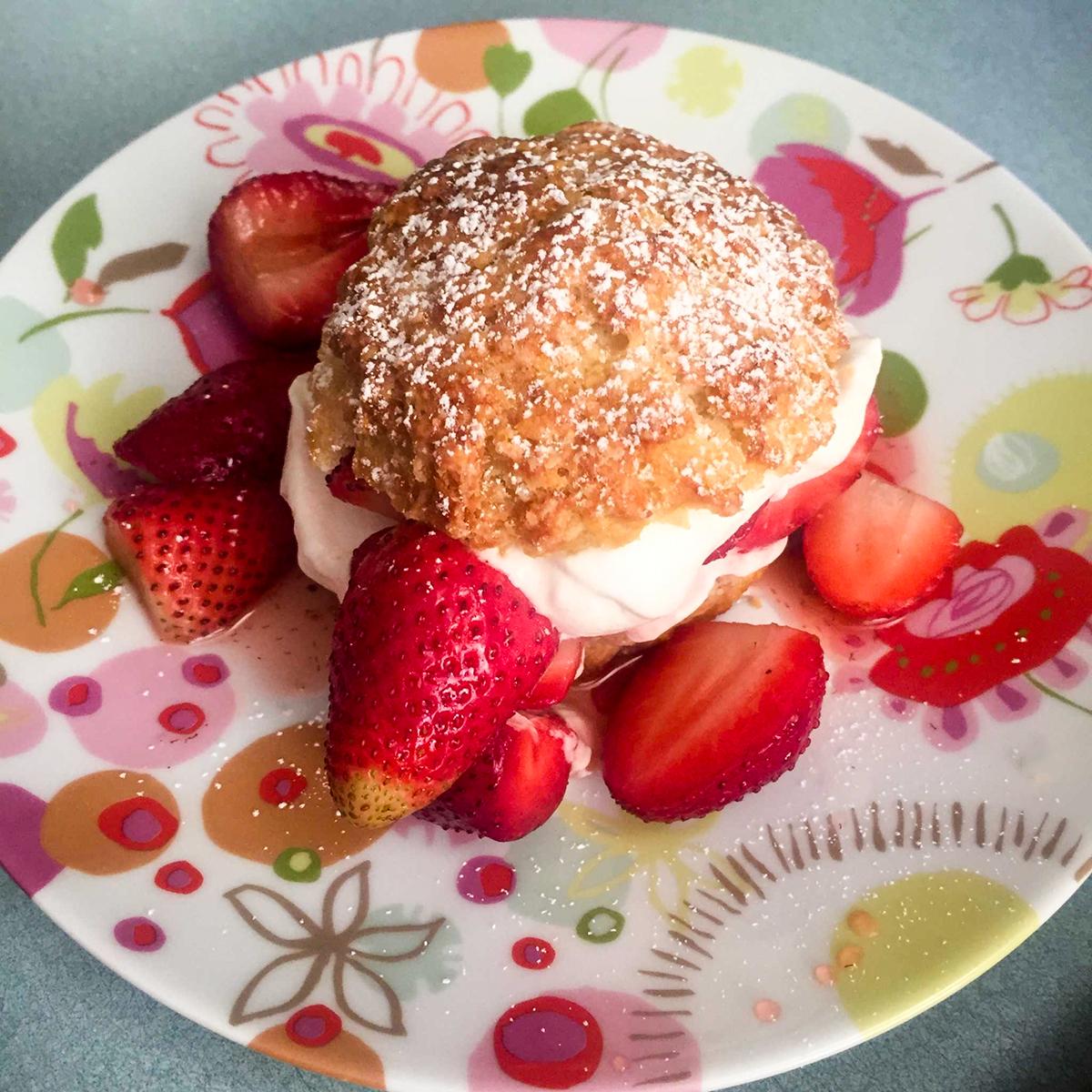 recette de shortcakes aux fraises selon lesley chesterman l 39 anarchie culinaire. Black Bedroom Furniture Sets. Home Design Ideas