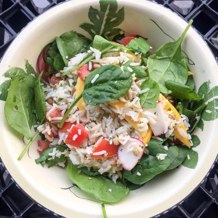 Salade de riz aux épinard et à la mangue