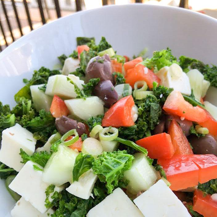 Salade de kale à la grecque