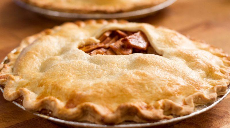 Tarte aux pommes et sauce BBQ cuite sur le BBQ selon Rox