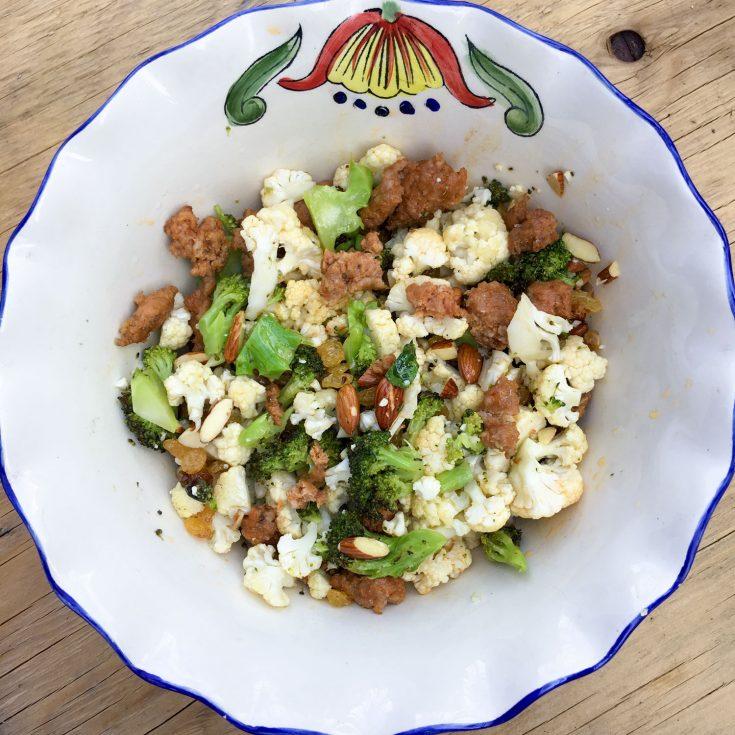 Salade tiède de saucisses et légumes rôtis