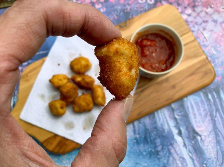Fromage à poutine (fromage en grains) frit