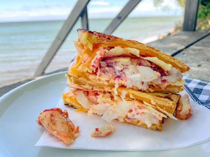 Lobster melt (grilled cheese au homard)